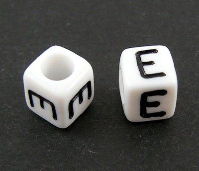 6mm PLASTIC ALPHABET CUBE -- E --